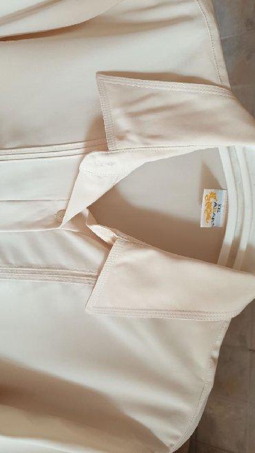блузки с коротким рукавом в Кыргызстан: 1) Блузка размер - XXL, Турция,1590сом3) Блузка, размер 42, Турция