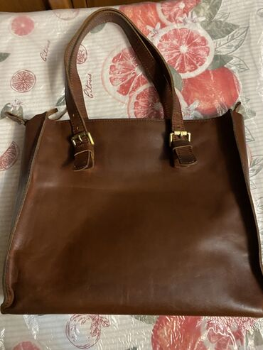 поясные сумки женские в Кыргызстан: Продаю женскую кожаную сумку. Сумка из натуральной толстой кожи