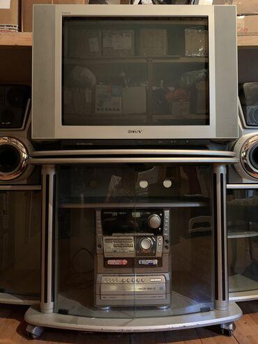 Продаю телевизор Sony, вместе с подставкой. Состояние отличное