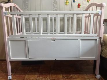 Детский мир в Баетов: Детская кровать в отличном состоянии в комплекте есть люлька