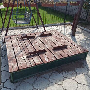 2708 объявлений: Продаю детскую песочницу с крышкой и со скамейкой