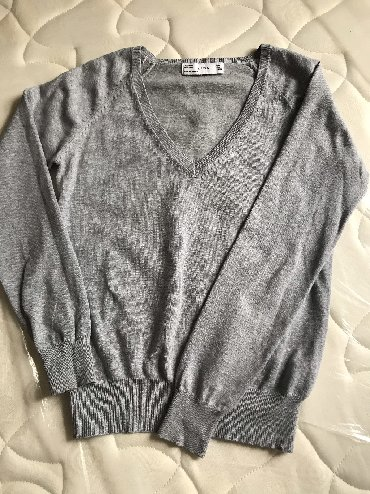 Свитер Zara, поверх рубашки смотрится классно
