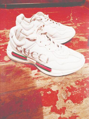 Продается новые кроссовки Gucci весна размер 43 недорого осталось