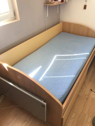 HITNO prodajem krevet, zbog manjka prostora! Veoma kvalitetan. Ima dve - Beograd