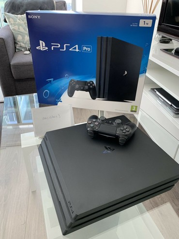 Kingdom Hearts 3 PS4 Pro Limited Edition 1TB Console with Steelbook - Zrenjanin