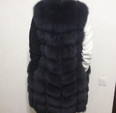 Женская одежда - Кызыл-Туу: Прадаю жилетку 90см размер s,цвет графит.состоение отличное.5тыс