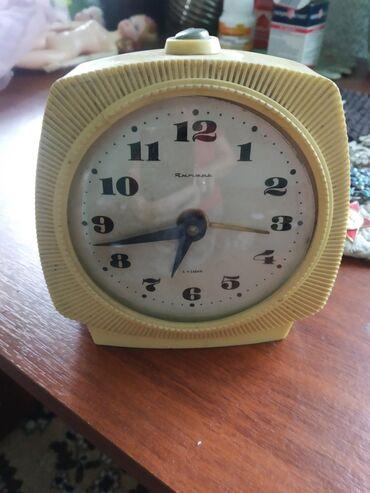 Антикварные часы в Кыргызстан: Часы будильник советские Янтарь 4 камня раритет,отдам за 500 сом,не
