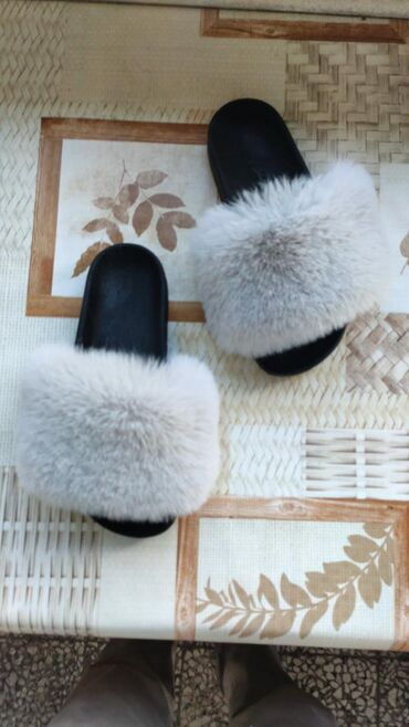 Оригинальные шлёпанцы с натуральным мехам лисыоптом и в
