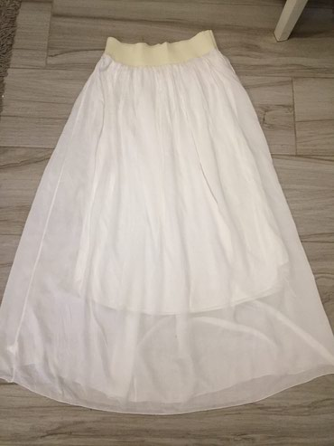 Duzina struk suknja - Srbija: Suknja bela Struk 34 siri se do 60cm u poluobimu Duzina 93cm