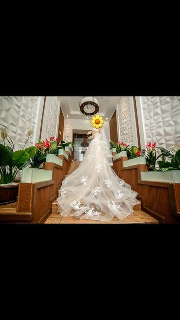 Продаю 2 свадебных платья (второй хорошо подойдёт для свадебного танца