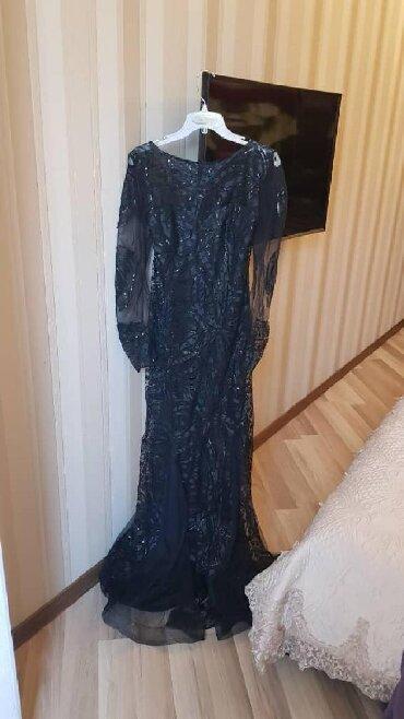 шикарное вечерние платье в Кыргызстан: Продаётся шикарное вечернее платье(рыбка) 48-50 размера. Покупали в