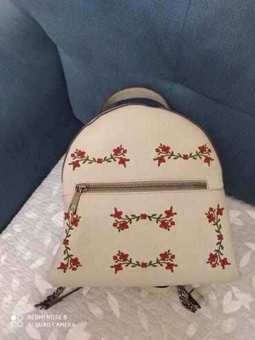 Очень удобная сумочка не кожа леопардовый принт, а также маленький