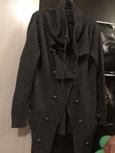 Кофта брендовых шерстяная двубортная с карманами с длинными рукавами
