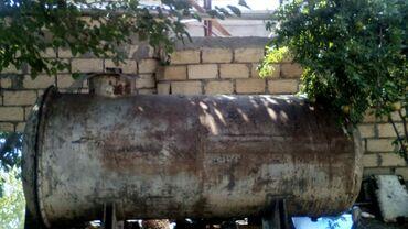 Ev və bağ Goranboyda: Goranboyda,800 manata,köhnə rusun dəmiridi, 3 tondu, maşın çənidi