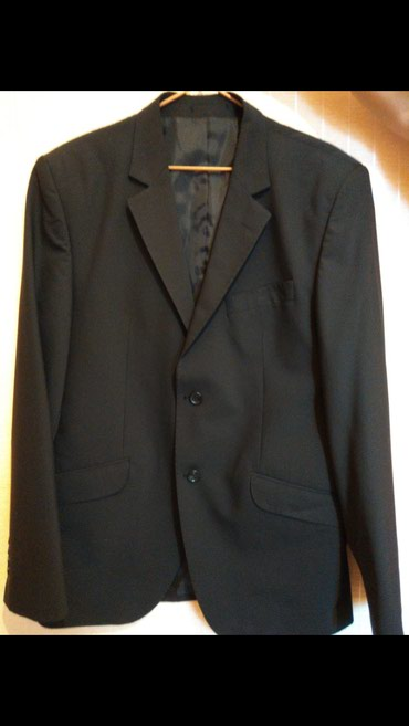 Продаю классический костюм чёрного в Бишкек
