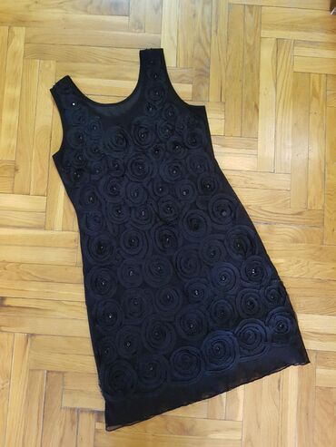 Haljine   Novi Sad: RASPRODAJA!Crna haljina,prijatnog materijala,nosena samo jednom,ima