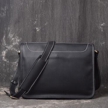 Стильная сумка мессенджер в двух цветах из натуральной кожи