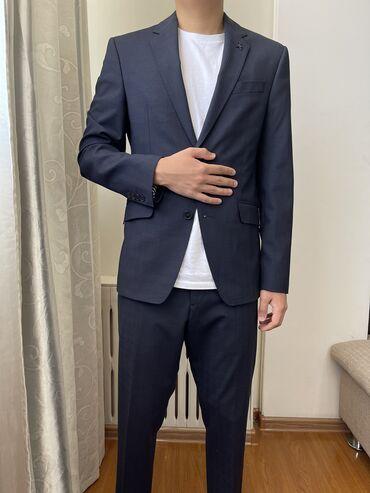 Мужской костюм ZaraТемного синего цвета, одевали один раз на