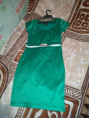 Платье турция 44 р в идеальном состоянии , можно в офис и на вечер в Беловодское