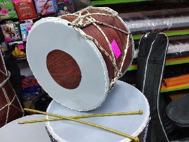барабан - Azərbaycan: Barabanbalaca davul uşaqlar üçün, çubuqlarida hədiyye verilir
