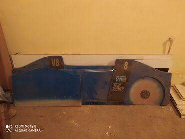 Продаю . Детская Кровать машина . Комплект все колеса есть