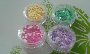 Personalni proizvodi | Zajecar: Kruzici za ukrasavanje nokta ( 4 boja ) Cena je za komad. Boja