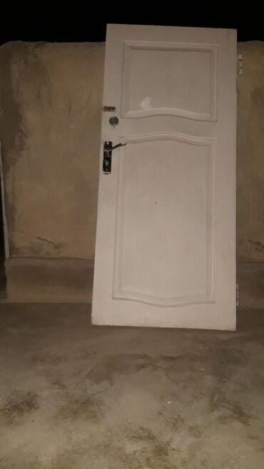 Продажа коммерческой недвижимости в Нарын: Эшик сатылат высота 182 ширина 80 цена 4000 с Нарын шаары