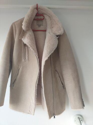 New Yorker jakna -par puta nosena. Veoma topla, velicina M
