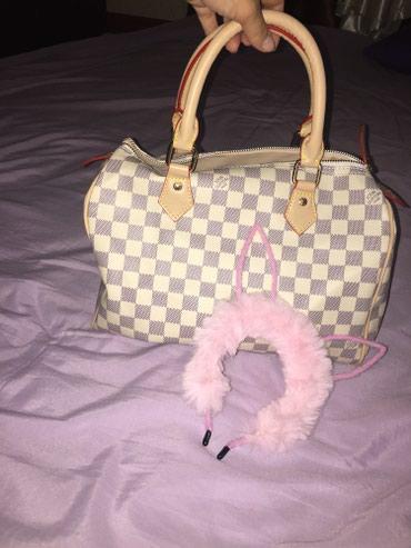 Продаю новую сумочку LV (запечатаны все ручки и замочки) в Кара-Балта