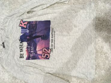 Nova nenosena zenska majica sa rukavima 3/4  Velicina S