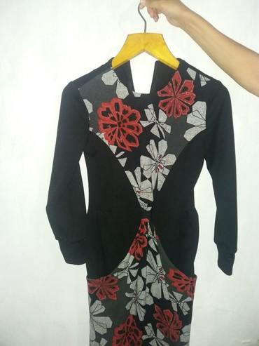Платье чуть ниже колен на рост 168,почти новое зимавеснаосень 44ра