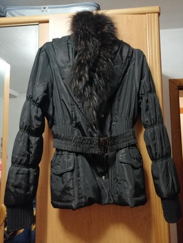 Zimska-jakna-sa-krznom - Srbija: Zimska kraca jakna sa krznom! Velicina Xl Cena 1.500,00 din