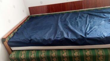 Продаю кровати,советские матрасы полутороспальные,в хорошем состоянии