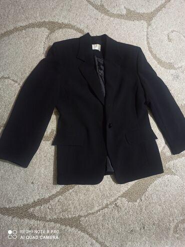Костюмы - Джалал-Абад: Женский костюм,размер 50, турецкий, купили за 4000 с, продаем за 1500