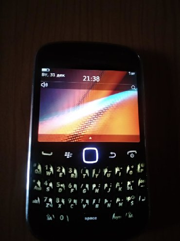 blackberry-8120 в Кыргызстан: Продаю мобильный телефон БлекБерри 9900Bold 8gb камера 5мг, 1сим полн
