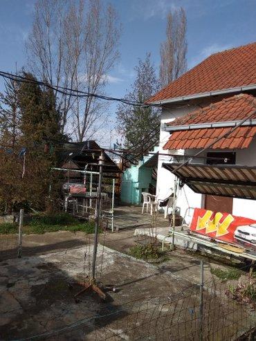 Kuca u umci sa 4ara placa i garazom blizu centra obdanista skole kuca - Beograd