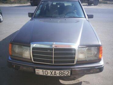 - Azərbaycan: Mercedes-Benz E 230 2.3 l. 1991   300000 km