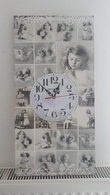 Drveni zidni sat dimenzija 30x60 cm. Sat je sa novim besumnim - Vrsac