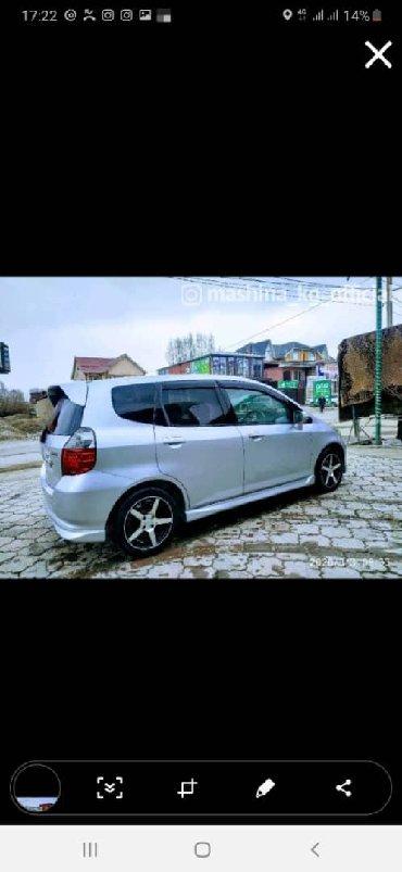 Аренда транспорта - Кыргызстан: Сдаю Машину в Аренду Хонда Фит Айдан жогору,ремонт озубуздон Паручи