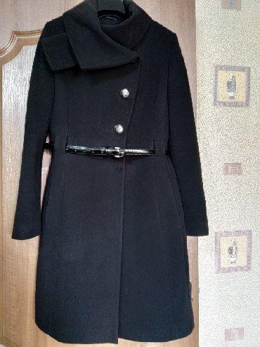 приталенное пальто в Кыргызстан: Продам пальто кашемир. Размер 44-46, цвет черный, приталенный красивый