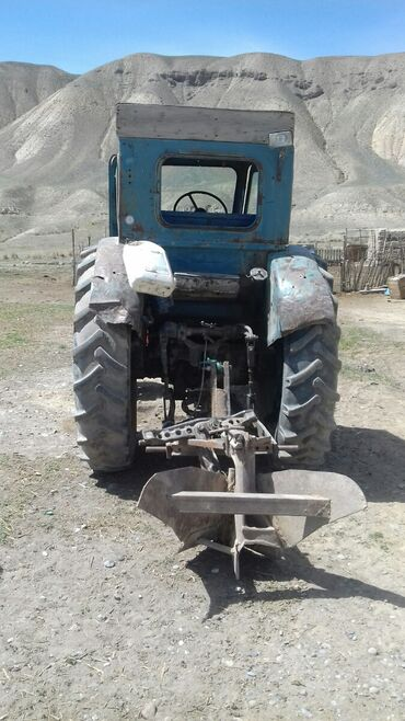 продам трактор т 150к б у в Кыргызстан: Продаю т 40 горный варянт,ведущий, дозатор,стартер,по нижней