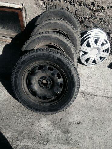 шины 195 65 r15 зима в Кыргызстан: R15.195/65.разбалт.5*100 шипованая почти нов.гольф4