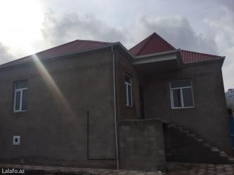 Bakı şəhərində Masazir qəsəbəsinde 569 saylı maşurut yolun yaxın 1  sotda  72   kv 3