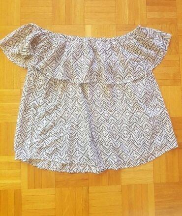 Majice na veliko - Srbija: H&M lepršava majica, nosi se na ramenima, veličina M.Bez