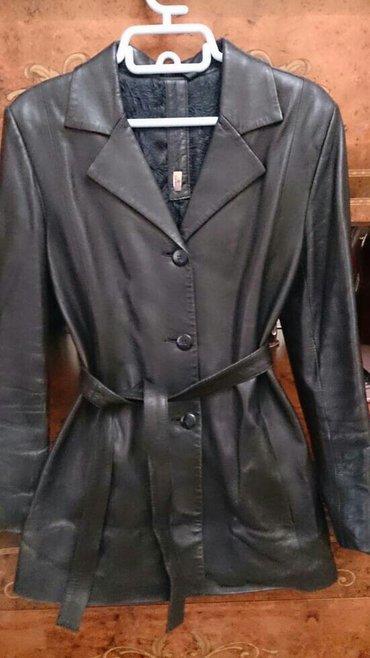 стирающая кожаная куртка в Кыргызстан: Кожаная куртка. продаю кожаный черный тренч