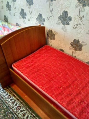 Продаю кровать с матрацом 2 метра длина, 83см ширина в Бишкек