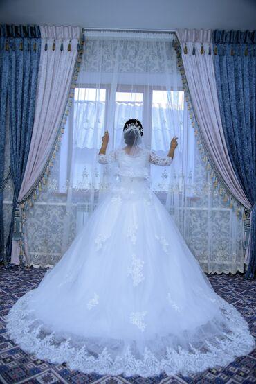 свадебные платья для беременных в Кыргызстан: Продаю свадебное платье носила один раз размер 42-44-46 диадема так же
