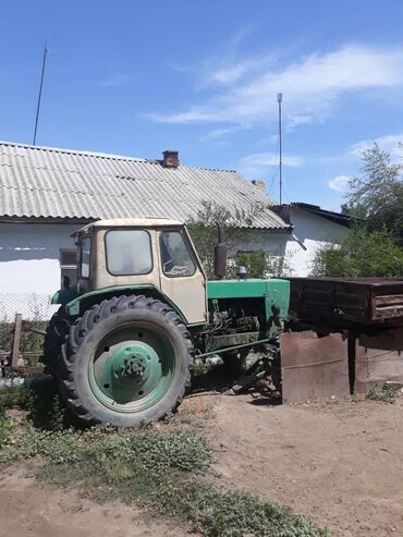 Транспорт - Манас: Трактор ЮМЗ588 в хорошем состоянии, с тележкой +мала. находиться, Со