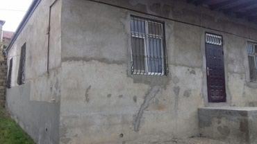 Bakı şəhərində Bineqedi qesebesinde, tam merkezde, Qardashlar ve Sari Marketlere