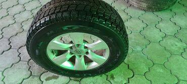 Шины и диски - Диаметр: 17 - Бишкек: Продаю диски с зимней резиной R17 265/65 4 шт. ( стояли на Toyota 4r